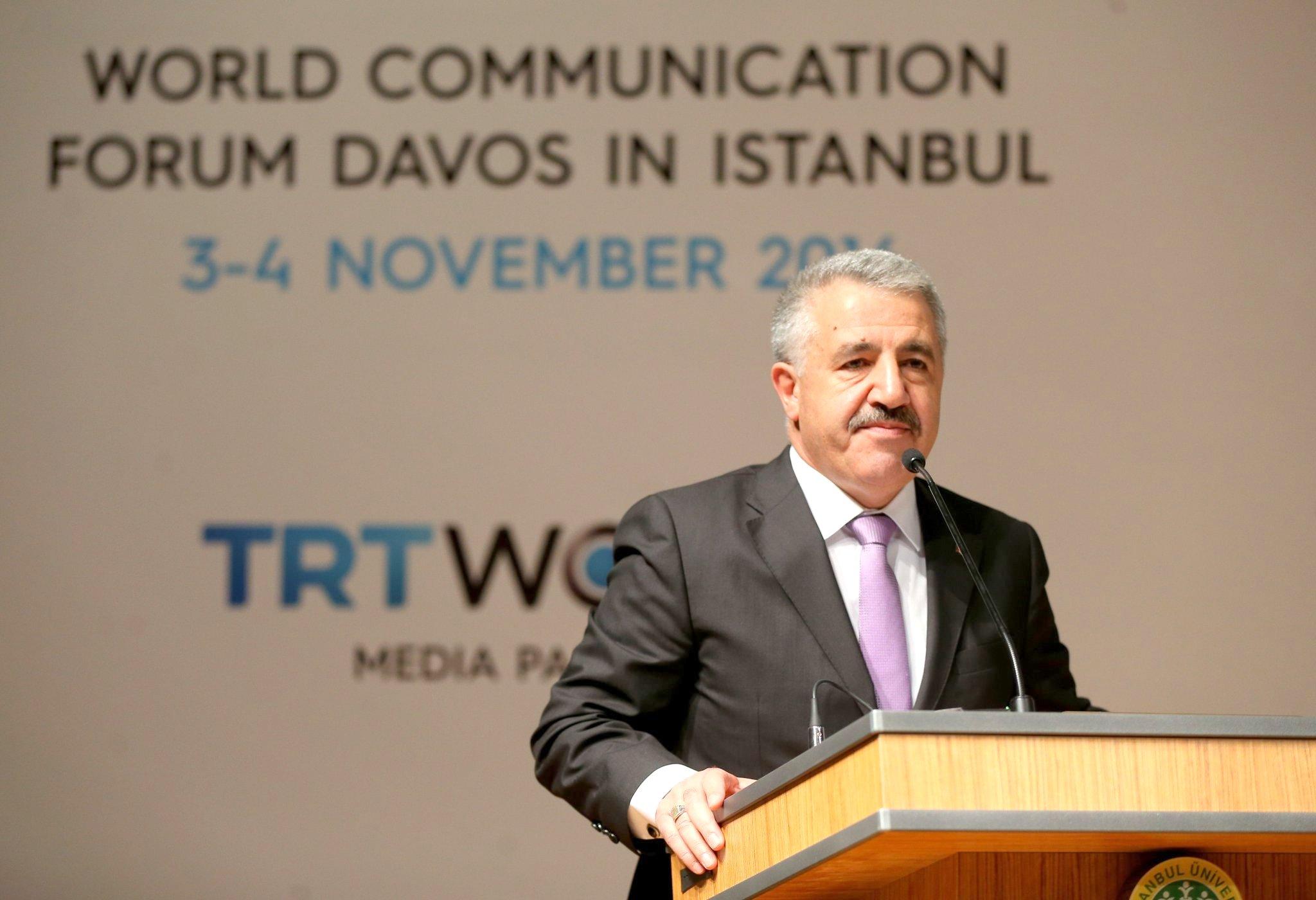 Bakan Arslan, GSM Operatörlerine Ortak Altyapı Çağrısı Yaptı